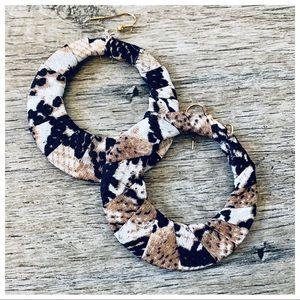 Snakeskin hoop chic earrings